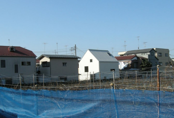 自分たちで造る:白の家